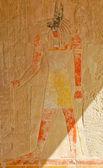 рельеф египетского бога анубиса — Стоковое фото