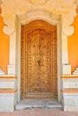 дверь балийской резьбы — Стоковое фото