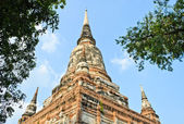 Pagoda at Wat Yai Chaimongkol — Stock Photo