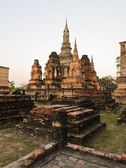 Starověký chrám za soumraku — Stock fotografie