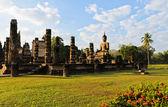 Pohled na starověké buddhistický chrám — Stock fotografie
