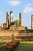 Velká socha buddhy v wat mahathat — Stock fotografie