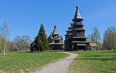 Starověké dřevěný kostel — Stock fotografie