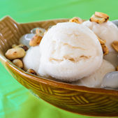 Coconut ice cream — Stock Photo