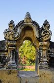 Burmese temple sculpture — Stock Photo