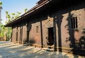 Ancient Burmese Teak Monastery — Foto Stock