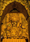 Golden Buddha of Mahamuni — Stock Photo