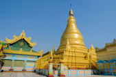 Golden pagoda in Sagaing hill, Myanmar — Stock Photo