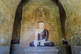 Ancient Bagan buddha statue, Myanmar — Stock Photo