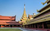 Palácio real de mandalay, myanmar — Fotografia Stock