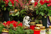 Friedhofsgesteck - цветочная композиция кладбище 12 — Стоковое фото