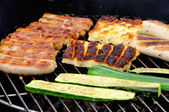 Grillen Grillkaese - grilling cheese 03 — Stock Photo