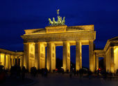 Berlin Brandenburger Tor Nacht - Berlin Brandenburg Gate night 02 — Stock Photo