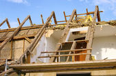 Dachstuhl abbrechen - roof truss demolish 11 — Stock Photo