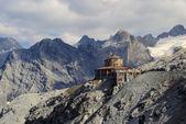 Stelvio pass tibet-hut — Stockfoto