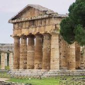 Paestum, ursprungligen havsbottnar beväxta — Stockfoto