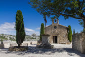 Small church in Les Baux De Provence — Stock Photo