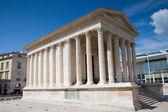 Roman temple of Nimes — Stock Photo
