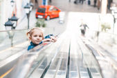 Little girl walks on Walkway — Stock Photo