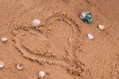 Heart drawing in the sand — Stock Photo