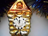Christmas and New Year decorations gold clock — Stock Photo