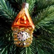 Christmas and New Year decoration gold watch on a background of green firtree — Stock Photo