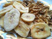 Dried bananas and walnuts — Stock Photo
