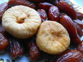 Dried fruit dates and figs — Stock Photo