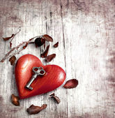 Key with the heart as a symbol of love — Stok fotoğraf