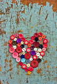 Red heart background on vintage old surfac — Stock Photo
