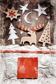 Grunge arka plan üzerinde noel dekorasyon — Stok fotoğraf