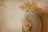 Fiori in cesto — Foto Stock