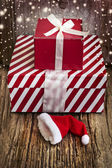 Two vintage gift boxes and Santa hat — ストック写真