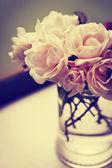 Roses in vase — Stock Photo