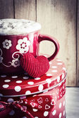 Valentine's cup of tea and little heart — Stock fotografie