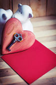 Valentine's heart, key, paper and toy — Stock fotografie