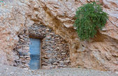 Cueva o casa — Foto de Stock
