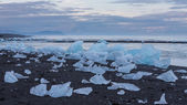 Blue icebergs and sea — Foto Stock