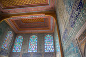 Decorated wall and roof in Topkapi Palace — ストック写真