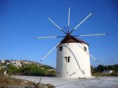 Väderkvarn i volimes village, zante ö, hellas — Stockfoto
