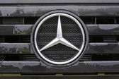 Mercedes benz truck — Stock Photo