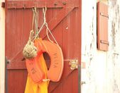 Life preserver on door — Foto Stock
