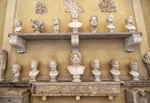 Different Portrait busts in the Vatican Museums in Rome — Stock Photo