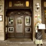 Cafe Iruña in Pamplona,Spain — Stock Photo