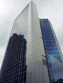 A modern skyscraper — Stock Photo