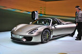 FRANKFURT - SEPT 14: Porsche 918 Spyder presented as world premi — Stock Photo