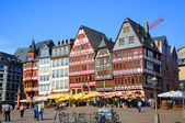 Romerberg (Romerplatz) with old buildings, Frankfurt am Main, He — Foto de Stock