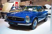 FRANKFURT - SEPT 21: Mercedes Benz SL Pagode Brabus Classic pres — Stock Photo