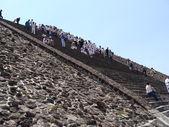 Pyramid of the Sun in Teotihuacan — Stock Photo