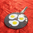 Fried eggs on pan. Fusing. — Stock Photo #12809901